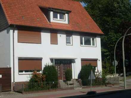 Helle 2-Zimmer Dachgeschosswohnung in zentraler Lage von HH-Bergedorf