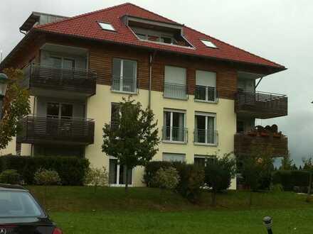 Moderne und helle 4 Zimmer Wohnung mit Balkon