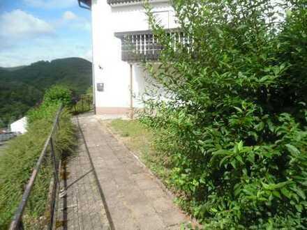 Drei Zimmer Wohnung,Terrasse,Garage,Garten