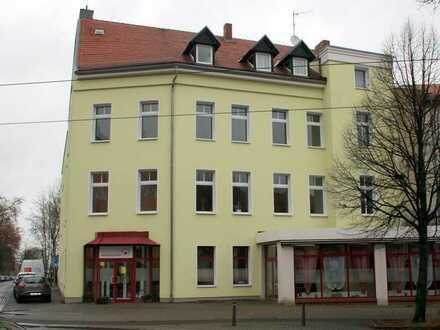 gemütliche Wohnung im Stadt-Teil West mit Balkon