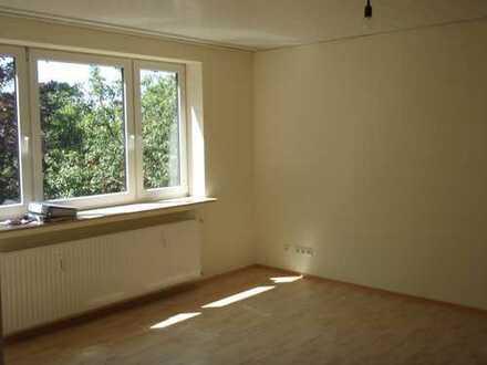 Modernisierte 2-Zimmer-Wohnung mit Balkon und EBK in Bremen