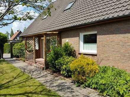 Modernisierte 4-Zimmer/1,5 Bad Wohnung im 2 Familienhaus in Oldenburg, Alexandersfeld