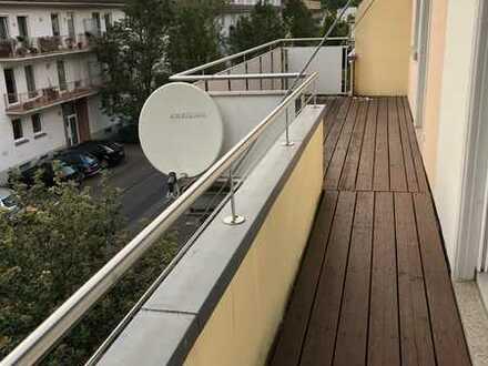 Gehobene-2-Zimmer-Wohnung mit Balkon und Einbauküche in Landau in der Pfalz