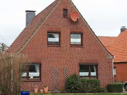 Gepflegtes Einfamilienhaus mit fünf Zimmern und Einbauküche in Schiffdorf, Schiffdorf-Wehden