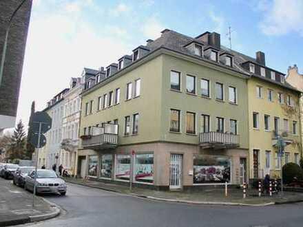 Neuss - Innenstadt: Wohn- und Geschäfts- MFH in bevorzugter Lage von Neuss mit 6 Wohneinheiten