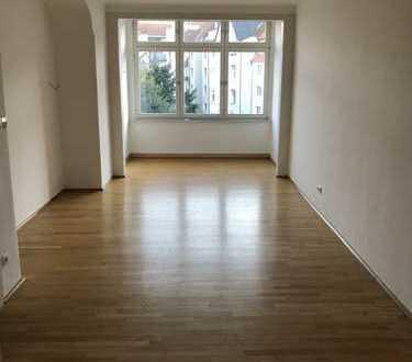 Schöne 4-Zimmer-Altbau-Wohnung in Rüttenscheid (Landgericht)