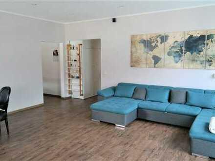 Hochwertige 4 Zimmerwohnung mit 2 Balkonen zentral in Darmstadt zu verkaufen!
