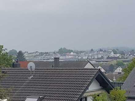 Schöne 3 Zi-Dachgeschosswohnung mit herrlichem Balkon