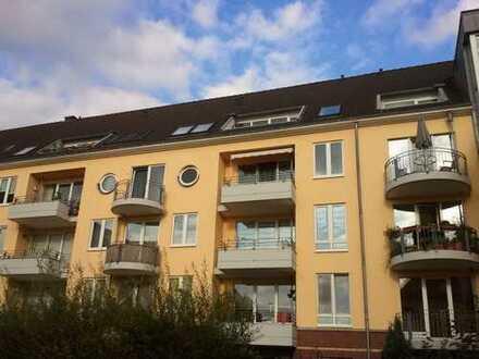 Benrath: Traumhafte Galerie-Wohnung mit Dachterrasse in Rheinnähe