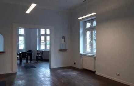 SHOWROOM - STUDIO - ATELIER - BÜRO: EG im Stilaltbau mit eigenem Zugang