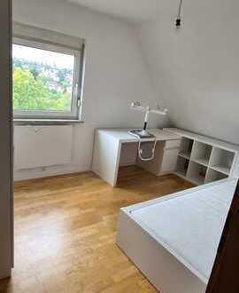 +++Helle, sanierte 3 Zimmer Wohnung in Besigheim+++