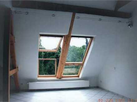 Traumhafte Maisonette Wohnung mit Velux Cabriofenstern und Galerie
