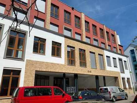 Erstbezug: exklusive 3-Zimmer-Wohnung mit EBK und Balkon in Frankfurt am Main