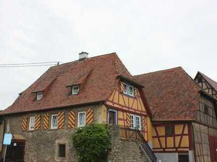 Tolle denkmalgeschützte Wohnimmobilie im Herzen von Bad Wimpfen mit 250 qm Ausbaureserve