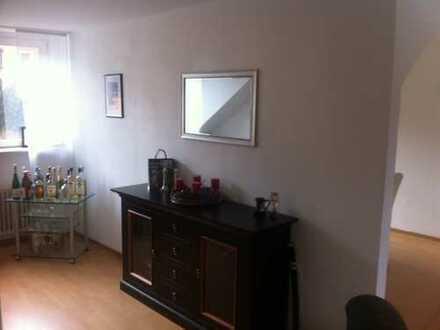 Suche Mitbewohner für meine tolle Dachgeschosswohnung in ruhiger und zentrumsnaher Lage (Trier-Olewi