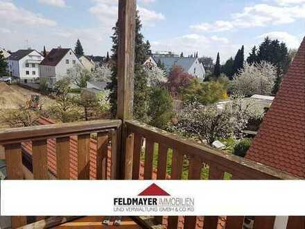 Helle drei Zimmer Wohnung mit Balkon und EBK in Augsburg-Haunstetten!