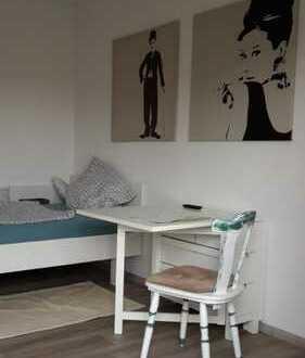 Moderne, möbelierte 1-Zimmerwohnung, ideal für Pendler/Studenten