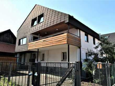 DHH in zentraler, ruhiger Lage von Uhingen für die große Familie, Balkon, Garage, Nebengebäude.