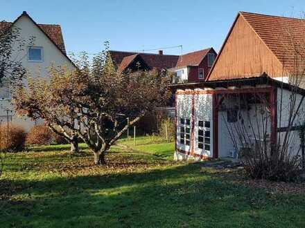Älteres Wohnhaus mit großem Garten in Ebersbach an der Fils / Roßwälden
