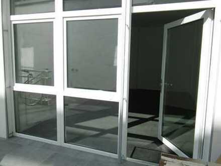 Büroraum zur Untermiete in zentraler Lage - hell, groß und frisch renoviert