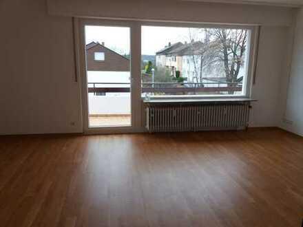 Schöne helle 3,5 Zimmer-Wohnung am Ortsrand von Leonberg-Höfingen