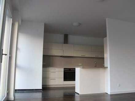 Hochwertige Penthouse Wohnung mit zwei sonnigen Terrassen und EBK