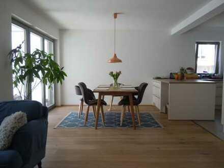 Familien-Traumwohnung, 4-Zimmer/2Bäder, Altstadt, BJ2015, hochw. EBK, Lift, TG, gr. Loggia, 85049 In