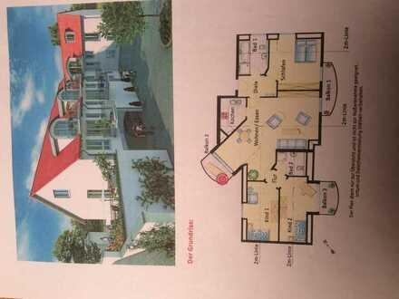 Schöne, gepflegte 4-Zimmer-DG-Wohnung mit 3 Balkone und Einbauküche in Dachau (Kreis)