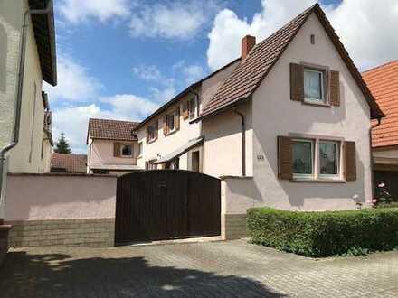Schönes Haus mit acht Zimmern in Bad Dürkheim (Kreis), Haßloch