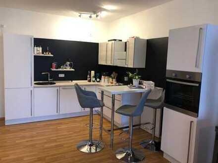liebevoll sanierte 3-Zimmer-Wohnung, hell & freundlich, Kaminofen