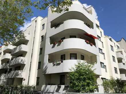 *Im Herzen von Steglitz* Ideal für Familien oder eine WG ! Hochwertige EBK, Balkon & Wannenbad !