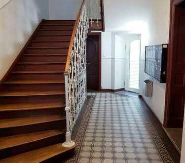 Stilvolle, geräumige und sanierte 3-Zimmer-Wohnung mit Balkon in Altstadt, München