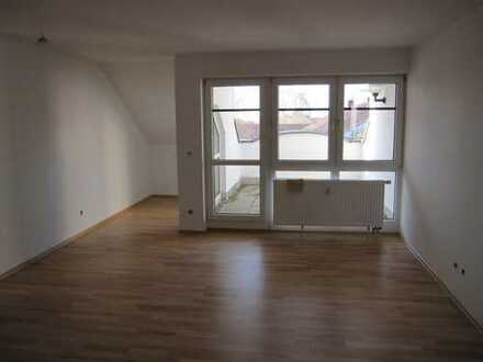Gepflegte 2,5-Zimmer-DG-Wohnung mit Balkon in Süßen