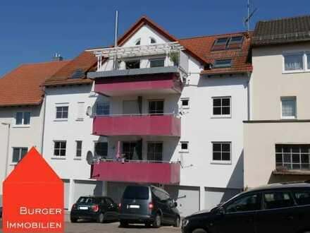 Großzügige, schöne 2-Zimmer-Wohnung mit Balkon und Garage in Öschelbronn