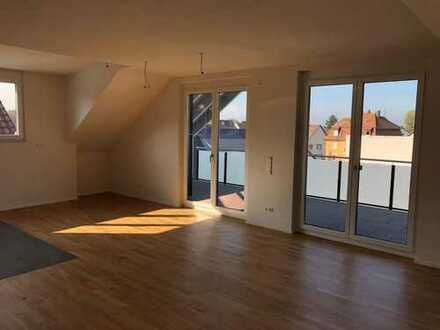 Große DG-Wohnung in 5-FH in ruhiger Lage von Baden-Oos