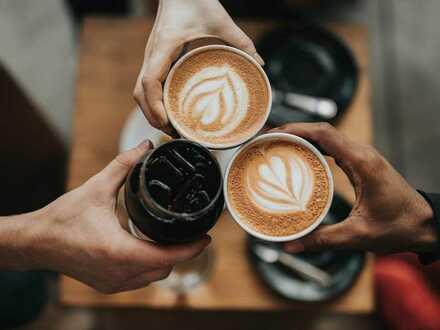 Lichtenberg..Konzeptübernahme..gut laufendes CAFÈ in Umgebung S-Bhf...BESTWERTUNGEN..Ablöse 69.000 €
