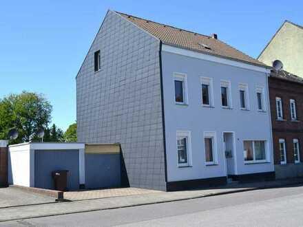 Ein- Zweifamilienhaus mit großem Grundstück in Bettrath