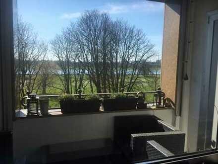 AM RHEIN - HELLE WOHNUNG; 5 Zimmer mit Einbauküche und Balkon