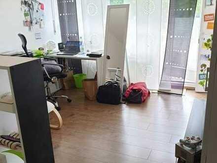 Modernisierte 1-Raum-EG-Wohnung mit Balkon und Einbauküche in Göttingen