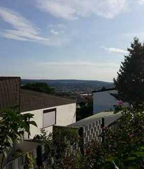 Traumhafte 4-Zimmer-Wohnung mit Terrasse, Garten und Blick über Pforzheim