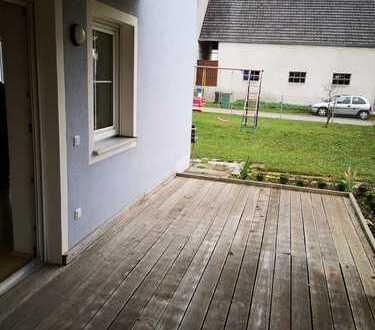 Ruhige geräumige und modernisierte 1-Zimmer-EG-Wohnung mit B alkon und Einbauküche in Ingolstadt