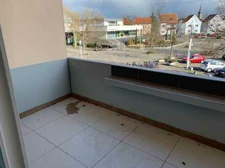 Schöne renovierte 1 Zi Wohnung (Whg.Nr 10) mit neuer EBK,Balkon und Stellpl. auf Wunsch in Viernheim