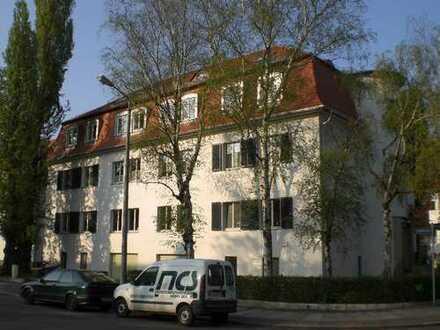 Repräsentative Stadtvilla direkt am Rosental - 4 Raum-Maisonette mit Balkon+2 Bäder+EBK (GER+ENG)