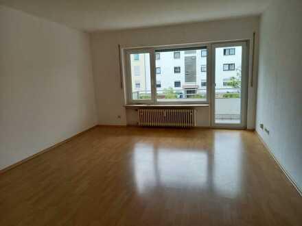 Helle 3-Zimmer-Wohnung mit Balkon in Karlsruhe