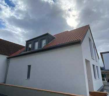 Einfamilienhaus ruhig und sonnig gelegen in einem Neubauprojekt im Zentrum von Sulzbach (Taunus)