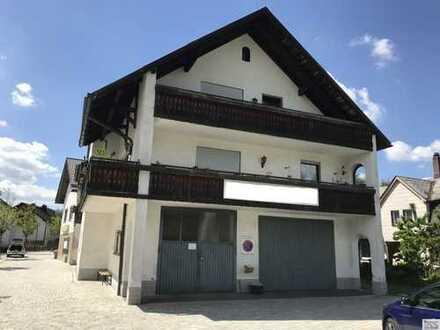 Zweifamilienwohnhaus zzgl. Gewerbeeinheit (voll vermietet) in Nagel i.F. zu verkaufen. Preis ist VHB