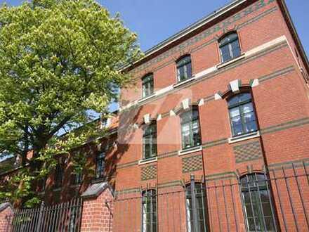//Traumhafte Dachgeschosswohnung mit großer Terrasse in den Kaisergärten//