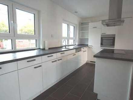 Neuwertige 3-Zimmer-Wohnung mit Balkon und Einbauküche in Gehrden/OT Lenthe