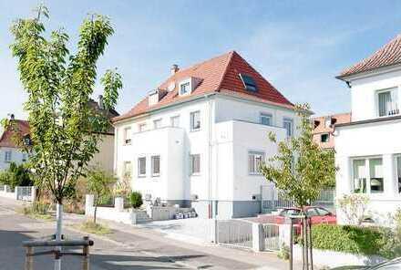 Exklusive und hochwertige Doppelhaushälfte in Bestlage auf der Hambacher Höhe - kernsaniert