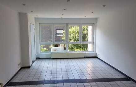 Schöne 3,5 Zimmer Wohnung mit Wintergarten in Gelsenkirchen, Resse